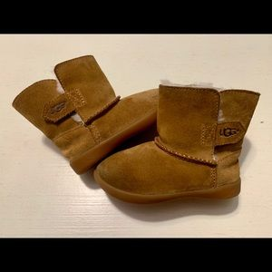 Ugg boots toddler sz7